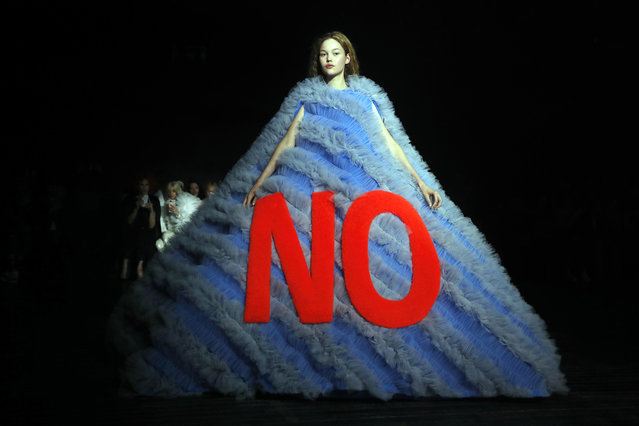 A model presents a creation by Viktor and Rolf during the 2019 Spring-Summer Haute Couture collection fashion show in Paris, on January 23, 2019. (Photo by Francois Guillot/AFP Photo)