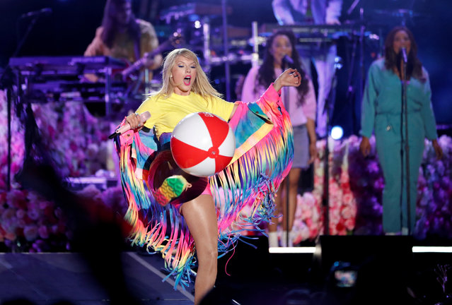 Taylor Swift kicks a beach ball as she performs at the iHeartRadio Wango Tango concert in Carson, California, U.S., June 1, 2019. (Photo by Mario Anzuoni/Reuters)