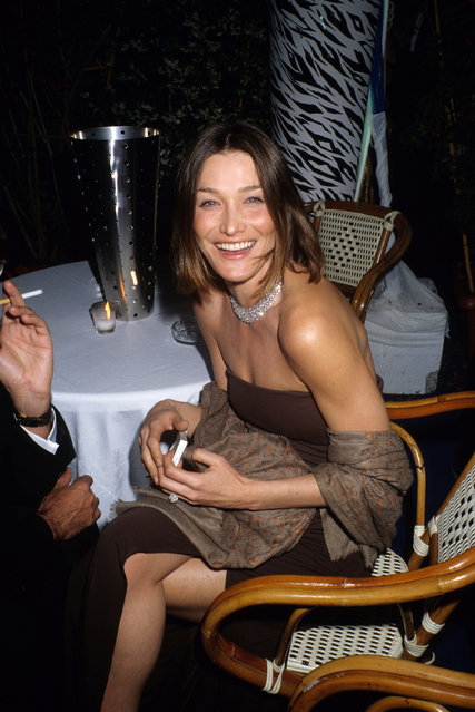 Carla Bruni attends the L' Oreal Party at the Beach of The Palais du Festival during the 51st Cannes Film Festival on May 13,1998 in Cannes, France. (Photo by Foc Kan/WireImage)