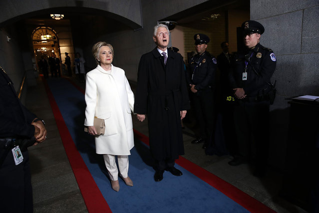 Former Democratic presidential nominee Hillary Clinton (L) and former President Bill Clinton arrive on the West Front of the U.S. Capitol in Washington, DC on January 20, 2017. In today's inauguration ceremony Donald J. Trump becomes the 45th president of the United States.  (Photo by Win McNamee/Getty Images)