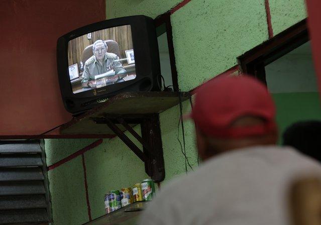 Cuba's President Raul Castro speaks during a television broadcast in Havana December 17, 2014. (Photo by Enrique De La Osa/Reuters)