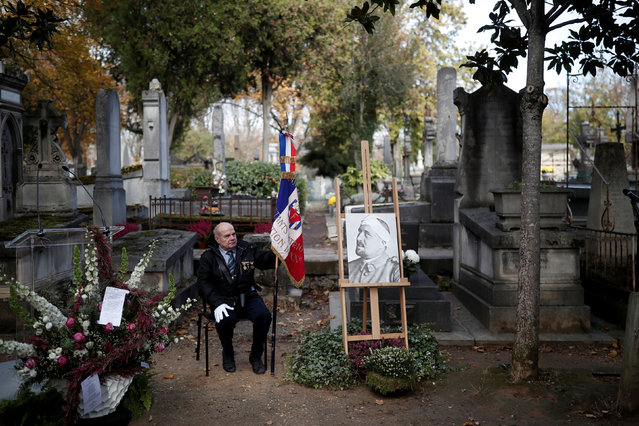 A portrait of French poet Guillaume Apollinaire is seen during a ceremony to commemorate the centenary of his death at Pere Lachaise Cemetery in Paris, France, November 8, 2018. (Photo by Benoit Tessier/Reuters)