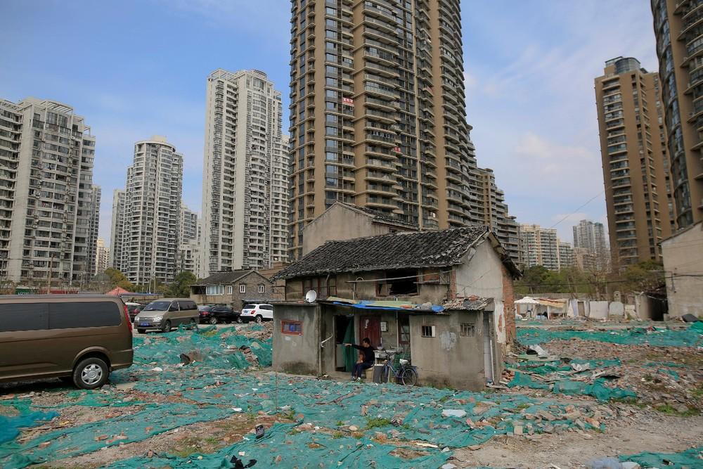 Stubborn Shanghai Residents