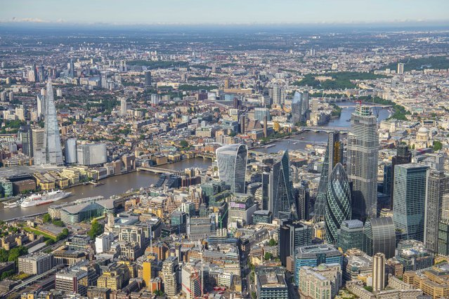 1800 ft over the City of London looking West to Westminster, London. (Photo by Jason Hawkes/Caters News Agency)