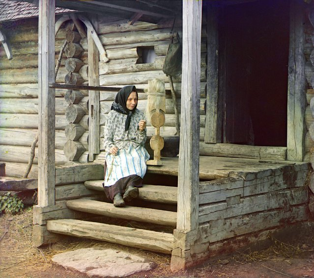 Photos by Sergey Prokudin-Gorsky. Spinning yarn. In the village of Izvedovo. Russia, the Tver province, county Ostashkov, 1910