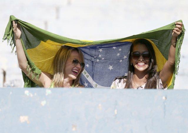 Football Soccer, Brazil Men's Training, 2016 Rio Olympics, Serra Dourada Stadium, Goiania, Brazil on July 30, 2016. Fans watch Brazil vs Japan friendly. (Photo by Ueslei Marcelino/Reuters)