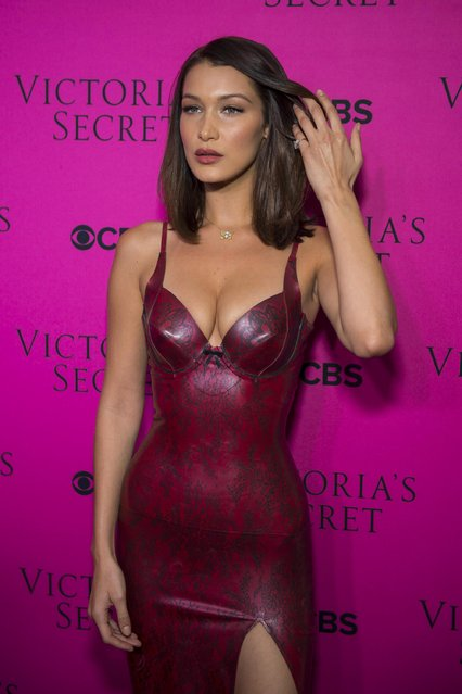 Bella Hadid attends the 2017 Victoria's Secret Fashion Show viewing party pink carpet at Spring Studios on November 28, 2017 in New York City. (Photo by Michael Stewart/WireImage)