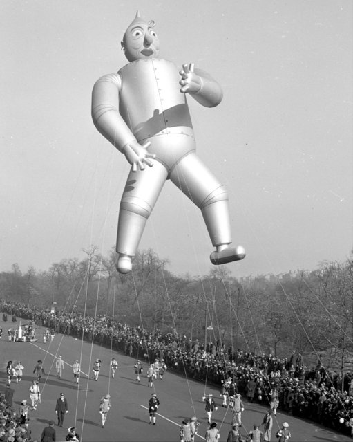 The Tin Man flies high in the Macy's Thanksgiving Day parade, 1939. (Photo by Joe Costa/NY Daily News Archive via Getty Images)