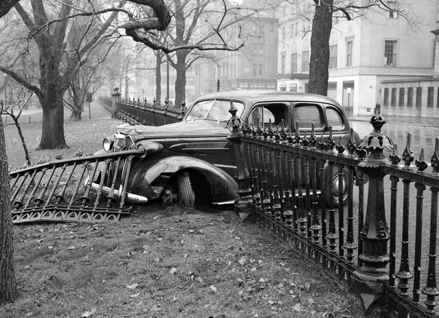 Joyride ends in Public Garden, 1937. (Photo by Leslie Jones)