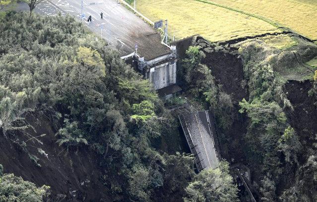 Aso Bridge is seen collapsed after an earthquake in Minamiaso, Kumamoto prefecture, southern Japan Saturday, April 16, 2016. (Photo by Muneyuki Tomari/Kyodo News via AP Photo)