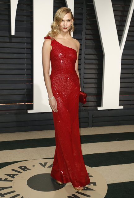 Model Karlie Kloss arrives for the Vanity Fair Oscar Party hosted by Graydon Carter at the Wallis Annenberg Center for the Performing Arts on February 26, 2017 in Beverly Hills, California. (Photo by Danny Moloshok/Reuters)