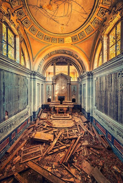 Left To Crumble. (Photo by Matthias Haker/Caters News)