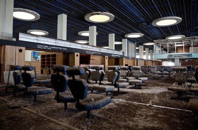 The passenger departure area is seen at the abandoned Nicosia International Airport near Nicosia March 10, 2014. (Photo by Neil Hall/Reuters)