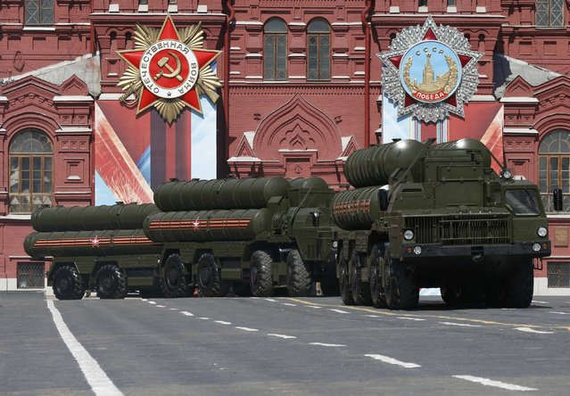 Russian S-400 Triumph medium-range and long-range surface-to-air missile systems drive during the Victory Day parade, marking the 71st anniversary of the victory over Nazi Germany in World War Two, at Red Square in Moscow, Russia, May 9, 2016. (Photo by Grigory Dukor/Reuters)