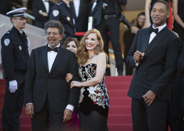 From left, Gabriel Yared, Jessica Chastain, Will Smith and Pedro Almodovar pose for photographers upon arrival at the opening ceremony and the screening of the film Ismael's Ghosts at the 70th international film festival, Cannes, southern France, Wednesday, May 17, 2017. (Photo by Arthur Mola/Invision/AP Photo)
