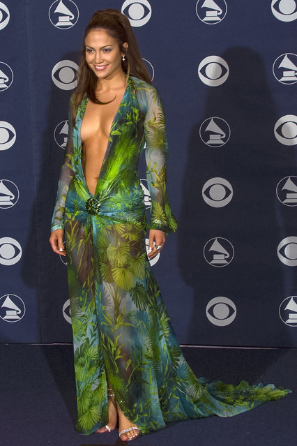 Singer Jennifer Lopez backstage at the 42nd Annual Grammy Awards, February 23, 2000 in Los Angeles, California. (Photo by Bob Riha, Jr./Getty Images)