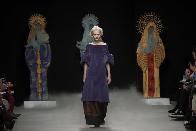 A model wears a creation for Junko Shimada fashion collection during Women's fashion week Fall/Winter 2020/21 presented in Paris, Tuesday, March 3, 2020. (Photo by Francois Mori/AP Photo)
