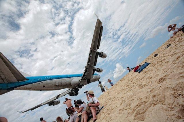 """""""KLM 747 Landing in St. Maarten"""". (Photo by Aurimas)"""