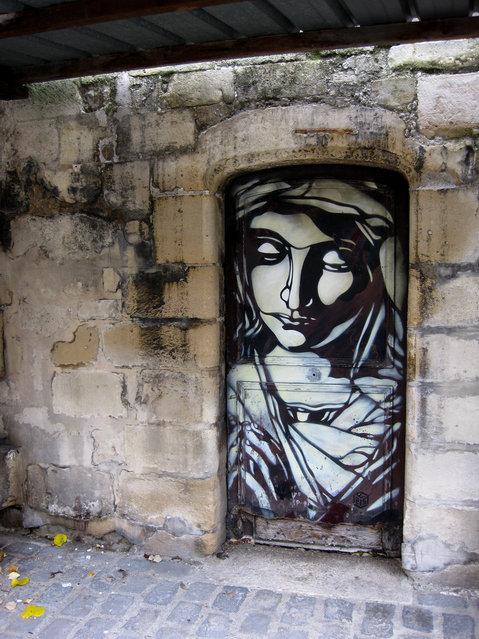 Saint Germain Church in Vitry-sur-Seine (Paris). Side door of the Church. (Photo by Christian Guémy)