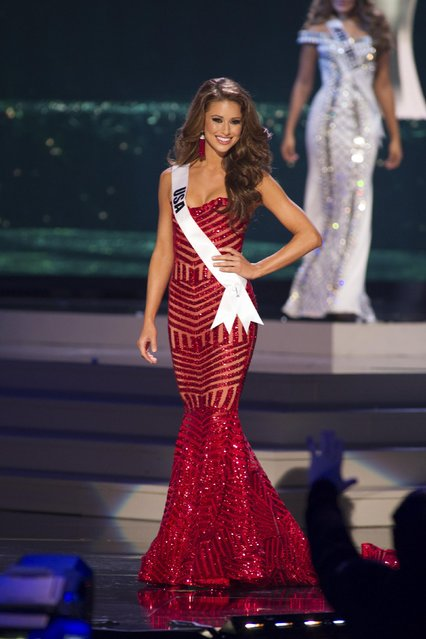 Nia Sanchez, Miss USA 2014 competes on stage in her evening gown during the Miss Universe Preliminary Show in Miami, Florida in this January 21, 2015 handout photo. (Photo by Reuters/Miss Universe Organization)