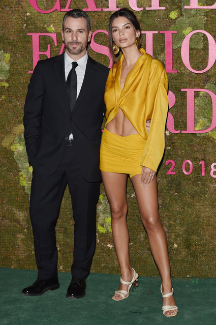 Paul Surridge and Emily Ratajkowski attend the Green Carpet Fashion Awards at Teatro Alla Scala on September 23, 2018 in Milan, Italy. (Photo by Stefania D'Alessandro/Getty Images)