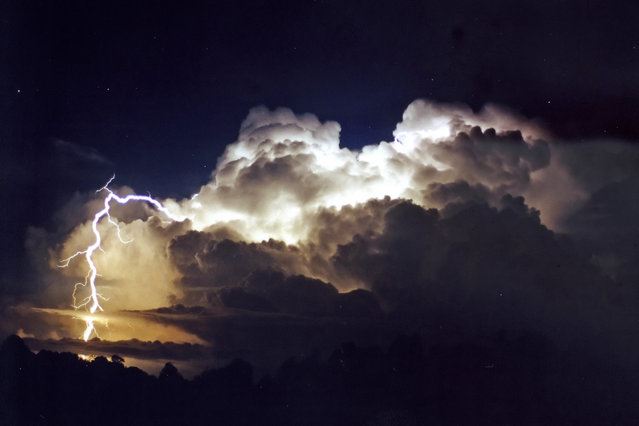 """Lightning Flash Photography"". Mcleans Ridges, New South Wales, Australia – 4 November 4, 2000. (Photo by Michael Bath/Caters News)"