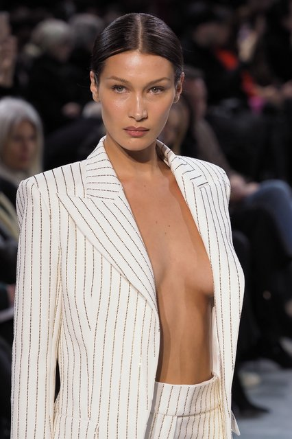 Bella Hadid walks the runway during the Alexandre Vauthier Haute Couture Spring/Summer 2020 show as part of Paris Fashion Week on January 21, 2020 in Paris, France. (Photo by Laurent Vu/SIPA Press)
