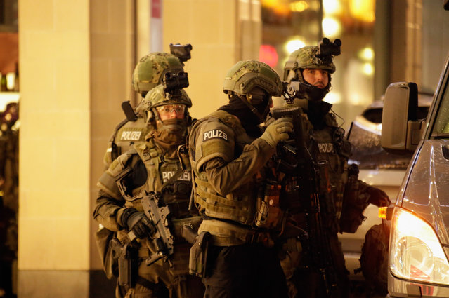 Armed police guard the downtown pedestrian zone near Marienplatz square following a rampage shooting in the city on July 22, 2016 in Munich, Germany.  (Photo by Johannes Simon/Getty Images)