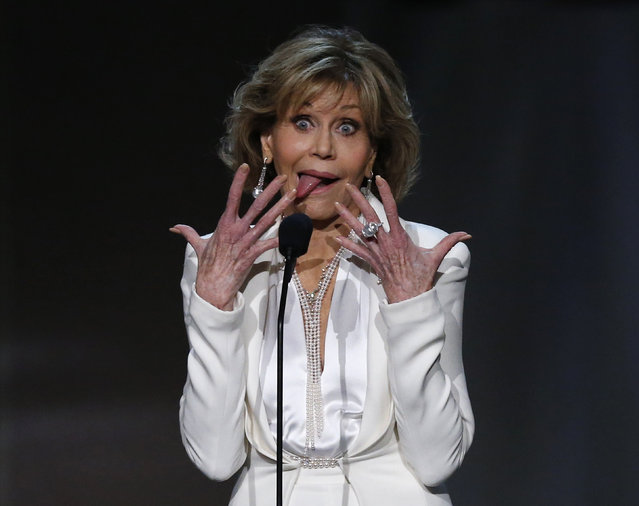 Actress Jane Fonda makes a face as she speaks on stage at the American Film Institute Life Achievement Award show in Los Angeles, June 8, 2017. (Photo by Mario Anzuoni/Reuters)