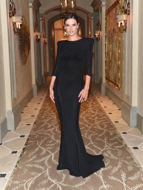 Alessandra Ambrosio attends Learning Lab Ventures Gala in Partnership with NET-A-PORTER on January 25, 2018 in Beverly Hills, California. (Photo by Donato Sardella/Getty Images for Steven Petrarca Events)