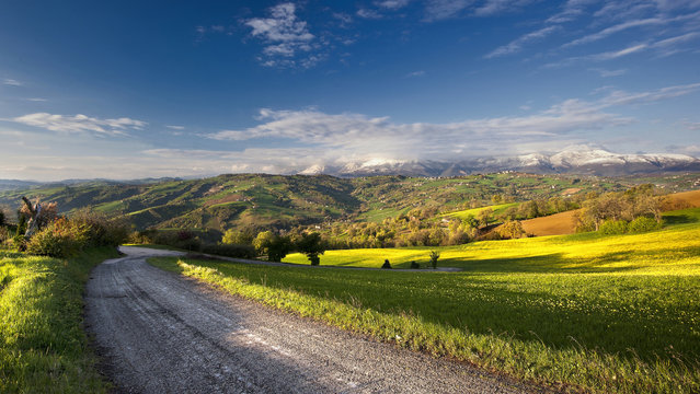 """""""Alba di primavera"""". (Photo and caption by Massimo Feliziani)"""