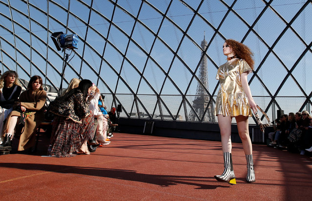 A model presents a creation by designers Marta Marques and Paulo Almeida for their Fall/Winter 2019-2020 women's ready-to-wear collection for Marques'Almeida during the Paris Fashion Week in Paris, France, February 26, 2019. (Photo by Regis Duvignau/Reuters)