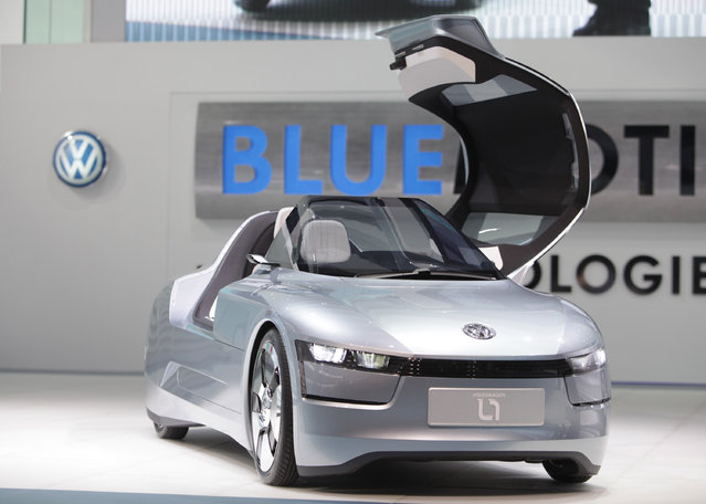 """The one-litre concept car """"L1"""" of German car manufacturer Volkswagen is on display during the media day at the international car show """"IAA"""" in Frankfurt Tuesday, September 15, 2009. (Photo by Ralph Orlowski/Reuters)"""