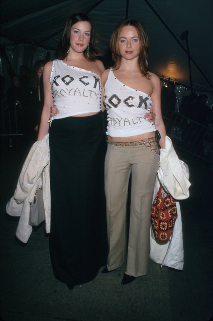 """Liv Tyler and Stella McCartney at the 1999 """"Rock Style"""" Gala at the Met in New York City. (Photo by Mitchell Gerber/Corbis/VCG via Getty Images)"""
