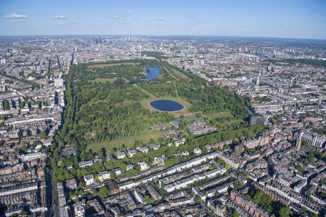 Hyde Park. (Photo by Jason Hawkes/Caters News Agency)