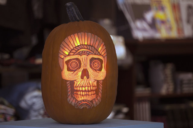 A Tara BONETHROWER pumpkin created by the Maniac Pumpkin Carvers at Cotton Candy Machine in Brooklyn, N.Y. on October 18, 2014. (Photo by Siemond Chan/Yahoo Finance)