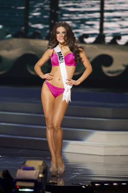 Melissa Gurgel, Miss Brazil 2014, competes in the swimwear competition during the Miss Universe Preliminary Show in Miami, Florida in this January 21, 2014 handout photo. (Photo by Reuters/Miss Universe Organization)