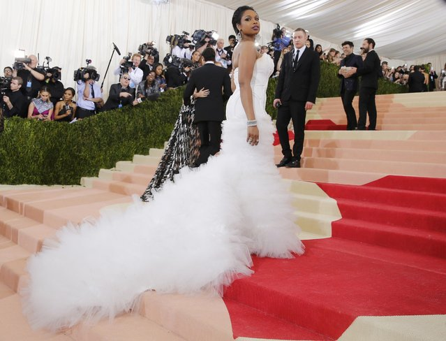 """Singer Jennifer Hudson arrives at the Metropolitan Museum of Art Costume Institute Gala (Met Gala) to celebrate the opening of """"Manus x Machina: Fashion in an Age of Technology"""" in the Manhattan borough of New York, May 2, 2016. (Photo by Eduardo Munoz/Reuters)"""