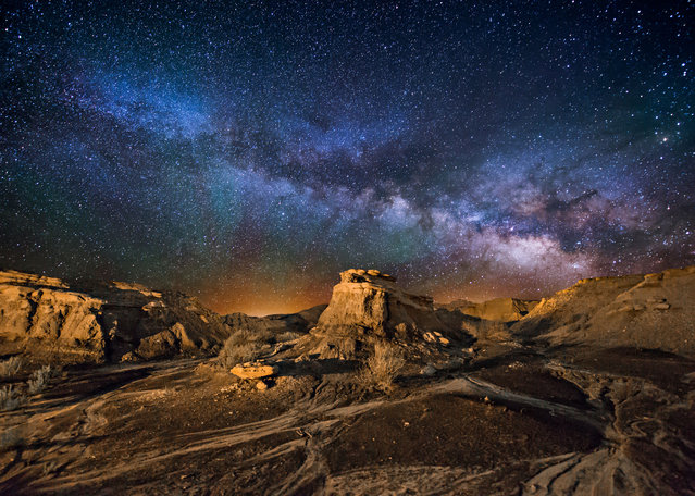 Bisit Badlands, New Mexico. (Photo by Wayne Pinkston/Caters News)