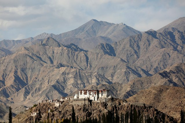 Stakna monastery catches the evening light near Leh, the largest town in the region of Ladakh, nestled high in the Indian Himalayas, India September 27, 2016. (Photo by Cathal McNaughton/Reuters)
