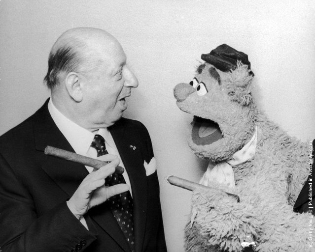 1978: Lord Lew Grade meets Fozzie Bear from the 'Muppet Show' at the Variety Club of Great Britain Show Business Awards