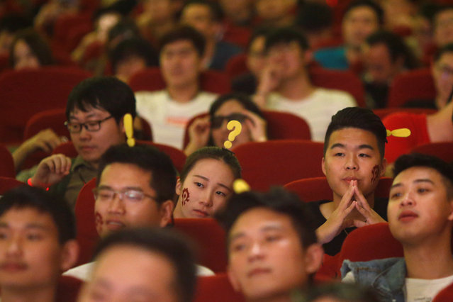 """Fans attend China's premiere of the film """"Warcraft"""" at a theatre in Shanghai, China June 7, 2016. (Photo by Aly Song/Reuters)"""