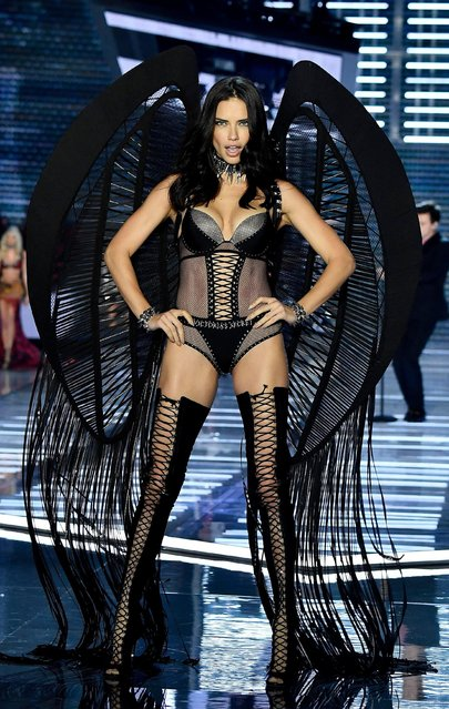Adriana Lima walks the runway during the 2017 Victoria's Secret Fashion Show In Shanghai at Mercedes-Benz Arena on November 20, 2017 in Shanghai, China. (Photo by Frazer Harrison/Getty Images for Victoria's Secret)