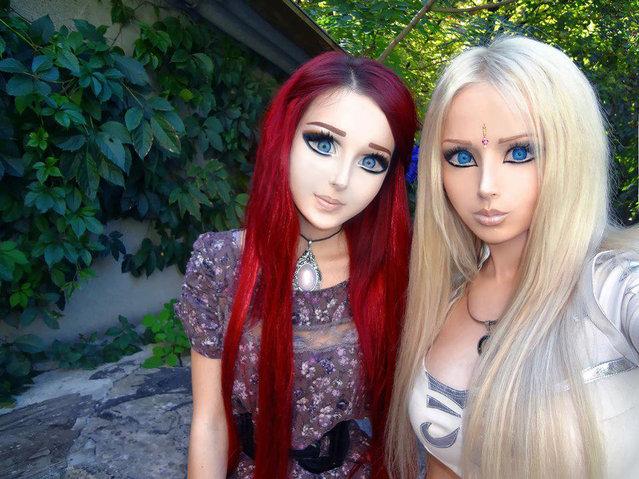 Human Dolls: Anastasiya Shpagina with Valeria Lukyanova. (Photo by Anastasiya Shpagina & Valeria Lukyanova)