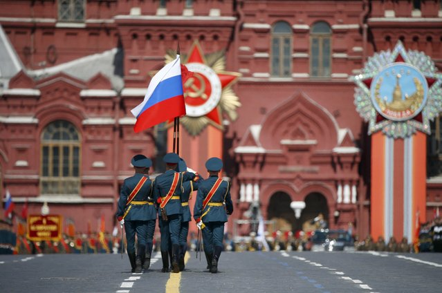 Russian servicemen march during the Victory Day parade at Red Square in Moscow, Russia, May 9, 2015. (Photo by Sergei Karpukhin/Reuters)