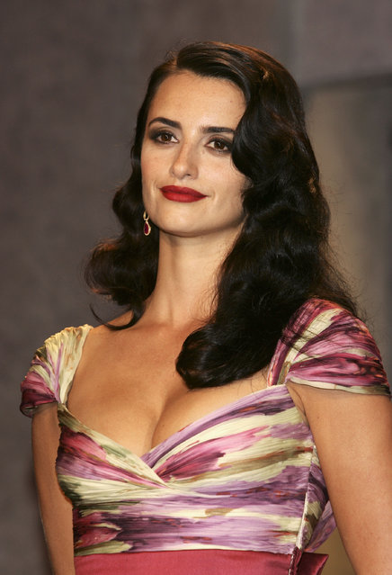 Actress Penelope Cruz attends the Closing Awards Ceremony at the Palais during the 58th International Film Festival May 21, 2005 in Cannes, France. (Photo by Pascal Le Segretain/Getty Images)