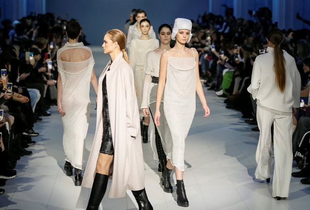 Models present creations by Ukrainian designer Ludmila Kislenko during Ukrainian Fashion Week in Kiev, Ukraine February 4, 2018. (Photo by Gleb Garanich/Reuters)