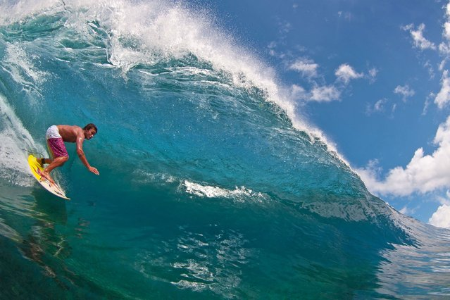 Ben Thouard underwater surf. (Photo by Caters News)
