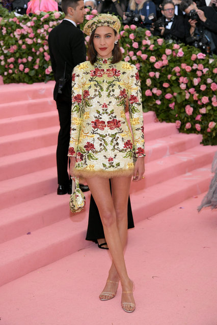 Alexa Chung attends The 2019 Met Gala Celebrating Camp: Notes on Fashion at Metropolitan Museum of Art on May 06, 2019 in New York City. (Photo by Neilson Barnard/Getty Images)