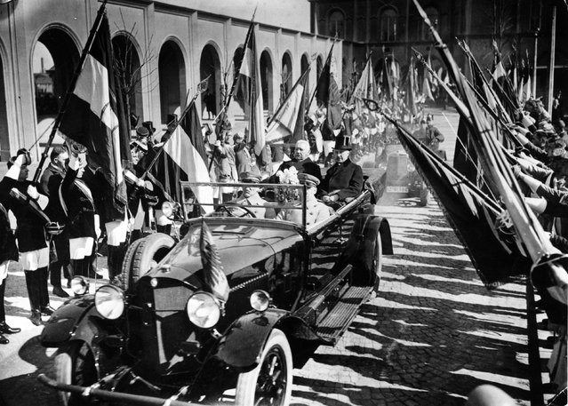 President Hindenburg of Germany (1847–1934) driving through the streets of Cologne with the Burgomaster Dr. Konrad Adenauer (1876–1976), March 1926. (Photo by Grandery)